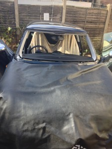 windscreens Solihull windscreen replacements Solihull windscreen removed
