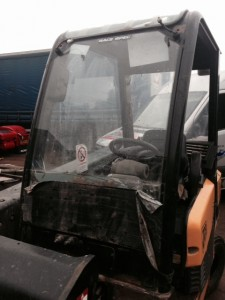 windscreens Coventry windscreen replacement plant and agricultural windscreens Coventry JCB 4