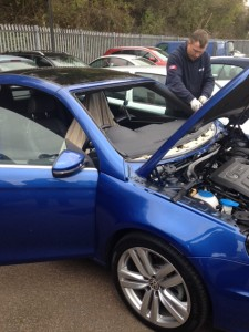 windscreens Coventry windscreen replacements Coventry VW EOS for VW Dealership Coventry