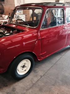 windscreen Nuneaton windscreen replacement Nuneaton 1965 Mini